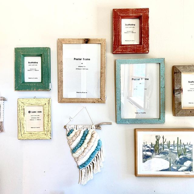 【 商品紹介 】一枚飾るだけでお部屋の印象を変えてくれるアートフレーム。活版印刷のアートフレームやビンテージラバーと呼ばれる味わいある古材で製作されたバーンウッドのフレームなど。