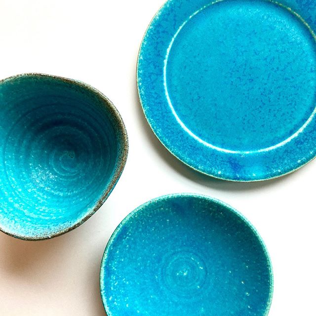 【 商品紹介 】先日、滋賀県の信楽までバイヤー出動!信楽焼入荷しました。滋賀県甲賀市信楽を中心に作られる陶器「信楽焼(しがらきやき)」は日本六古窯のひとつです。