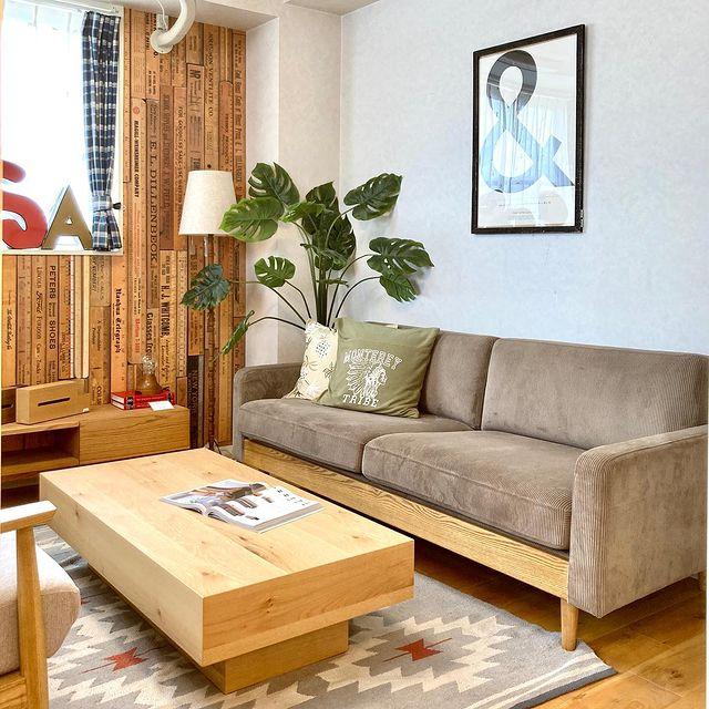 【 商品紹介 】モダンな佇まいと優しい風合いの感じられるシンプルな設計のソファ「フリートソファ」。1人〜3人掛け、スツール有り。お好みのサイズ、貼地とカラーをお選びいただけます。